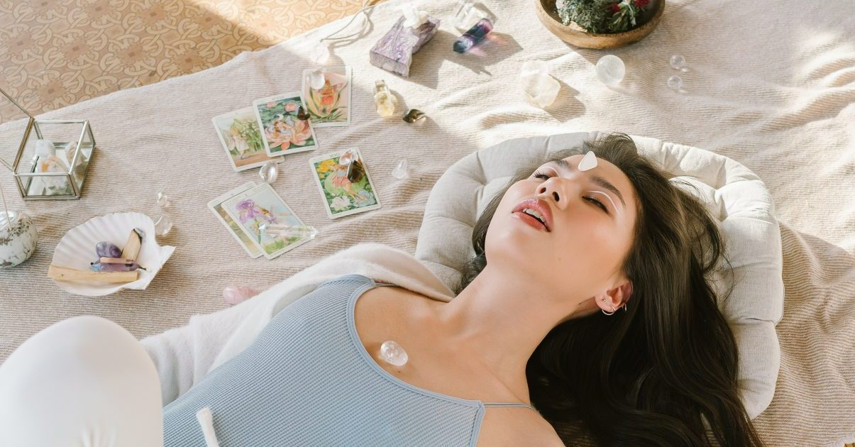 Η άσκηση αναπνοής που θα σε βοηθήσει να διαχειριστείς το άγχος σου μέσα σε 10 λεπτά