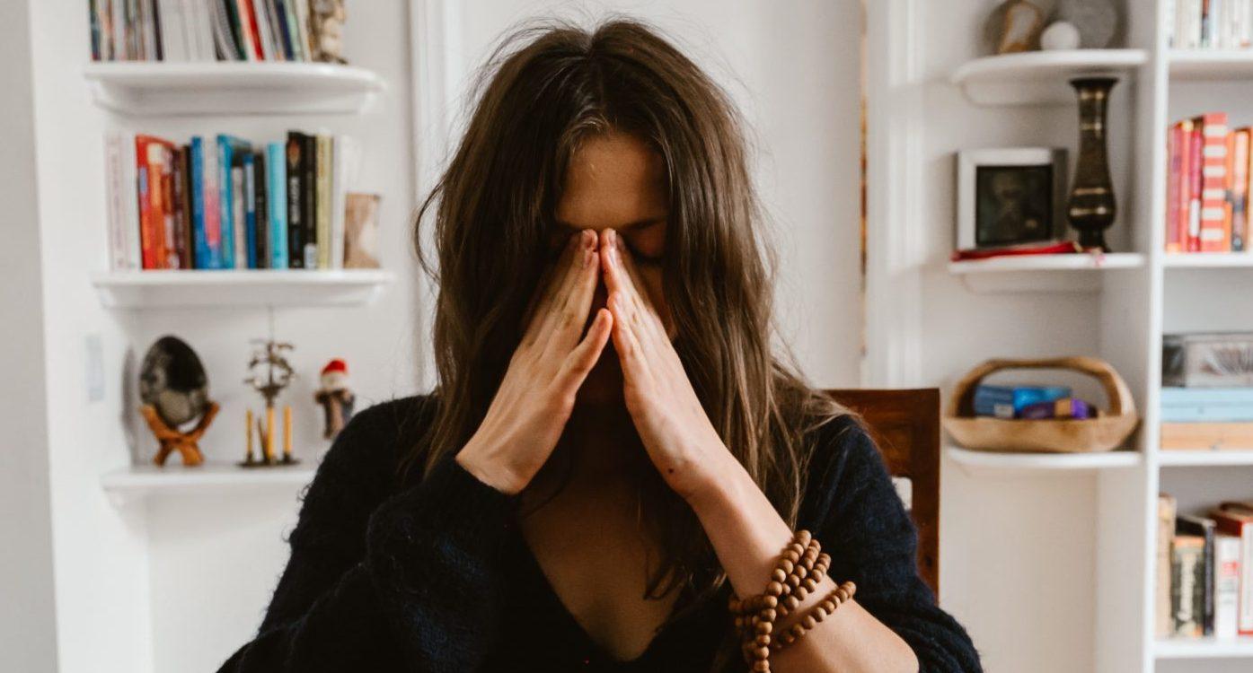 Τα 5 πιο συνηθισμένα θέματα ψυχικής υγείας που αντιμετωπίζουν οι νέες μητέρες Αναλύουμε τα 5 σημαντικότερα θέματα ψυχικής υγείας που αντιμετωπίζουν οι νέες μαμάδες που σε συνδυασμό με την κατάσταση της πανδημίας επηρεάζουν την ψυχική τους σταθερότητα και χρίζουν μια άμεση επίσκεψη σε έναν ειδικό που μπορεί να βοηθήσει να ξεπεραστούν,