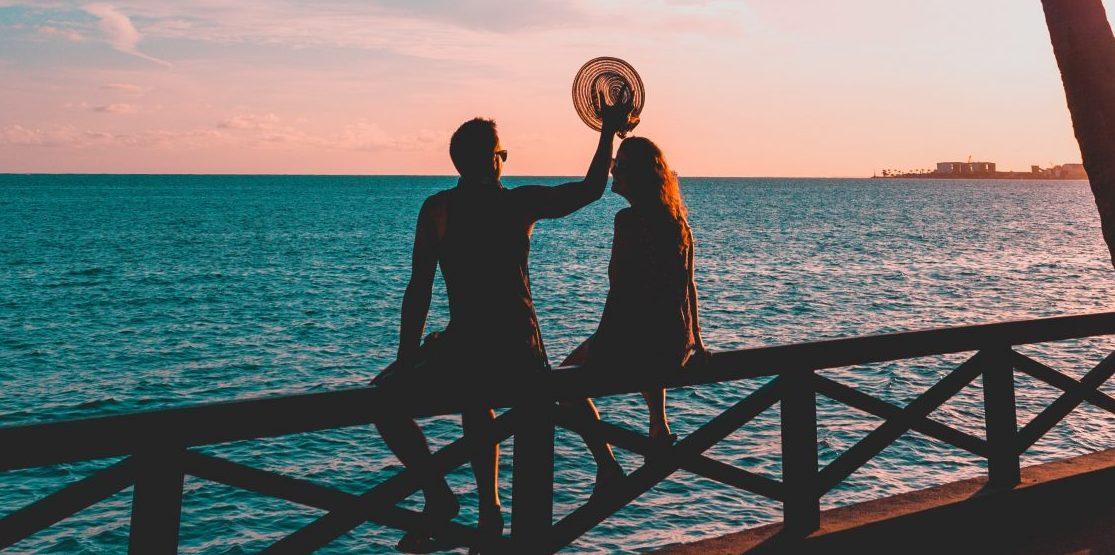Το καλοκαίρι επηρεάζει, κι αν ναι πώς, τη σεξουαλική σου διάθεση; #έρευνα Καλοκαιρινά καρδιοχτύπια, καλοκαιρινοί έρωτες, καλοκαιρινές νύχτες, Φαίνεται να υπάρχει κάτι στο καλοκαίρι που μας εξάπτει λίγο παραπάνω και αυξάνει το ερωτικό μας ενδιαφέρον.