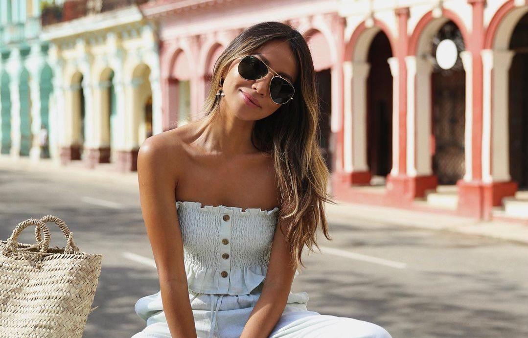 8 influencers που μας φέρνουν πιο κοντά στο καλοκαίρι με τα look τους Καθώς το καλοκαίρι πλησιάζει, η γκαρνταρόμπα μας απόκτα πιο παιχνιδιάρικη και φωτεινή διάθεση. Μάλιστα, τα αγαπημένα μας fashion girls στο Instagram μας δίνουν έμπνευση για το πώς να δημιουργήσουμε τα πιο stylish looks τις πρώτες καυτές μέρες της χρονιάς.
