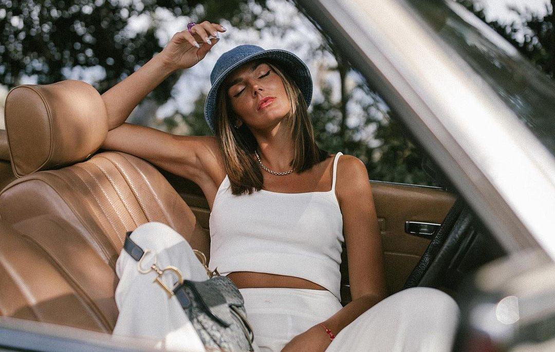 3 trends στα οποία αξίζει να επενδύσουμε αυτό το καλοκαίρι Ξέρεις ότι πολύ συχνά καταφεύγουμε στις fashion Instagrammers, προκειμένου να πυροδωτήσουμε την έμπνευσή μας για styling. ΗTezza είναι αδιαμφισβήτητα μια από τις αγαπημένες μας influencers, που πάντα καταφέρνει να μας εμπνέει με το στυλ και τις επιλογές της. Αρκετά συχνά επισκεπτόμαστε τον προσωπικό της λογαριασμό για να «κλέψουμε» ιδέες και αυτό κάναμε κι αυτή τη […]