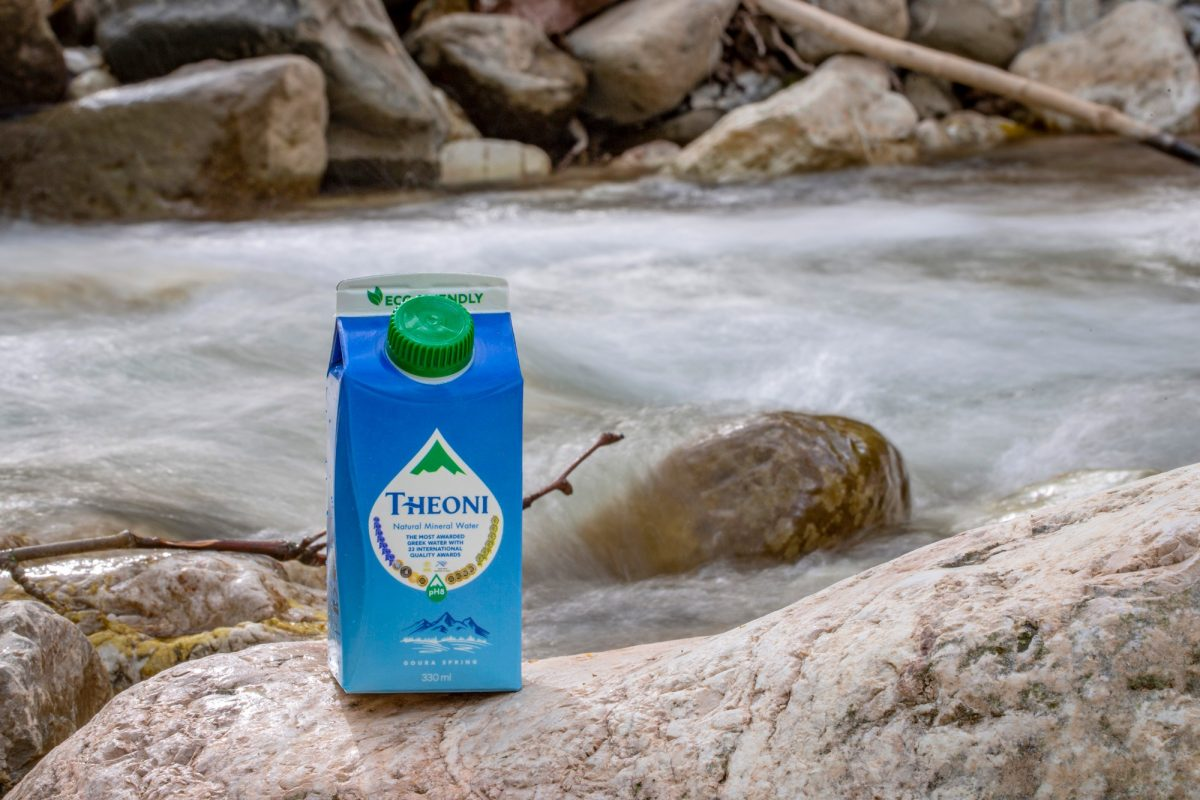 Το ΘΕΟΝΗ παρουσιάζει το πρώτο Φυσικό Μεταλλικό Νερό στην Ελλάδα σε χάρτινη συσκευασία Το Μοναδικό Ελληνικό Φυσικό Μεταλλικό Νερό σε καινοτόμο χάρτινη συσκευασία,100% φιλική προς το περιβάλλον