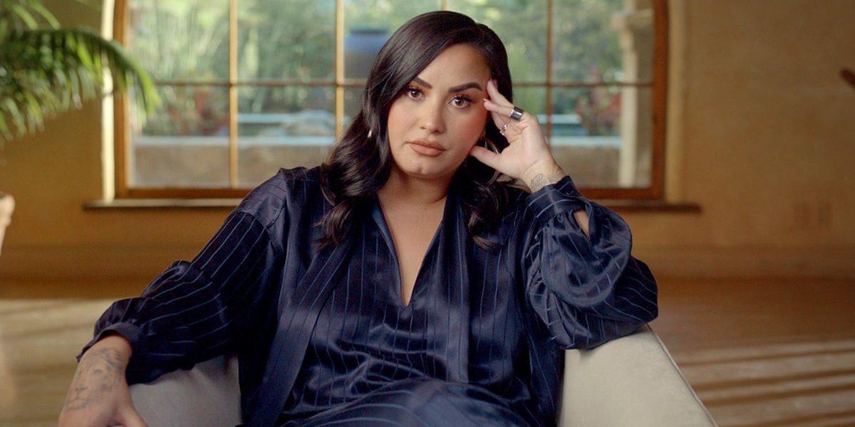 Το νέο hairstyle της Demi Lovato είναι ανατρεπτικό. Τόσο όσο και η ίδια! Η Demi Lovato δεν φοβάται να πειραματιστεί με τα μαλλιά της και συχνά κάνει extreme αλλαγές που της πάνε πολύ. Αυτό ακριβώς έκανε για ακόμα μια φορά και μας εντυπωσίασε.