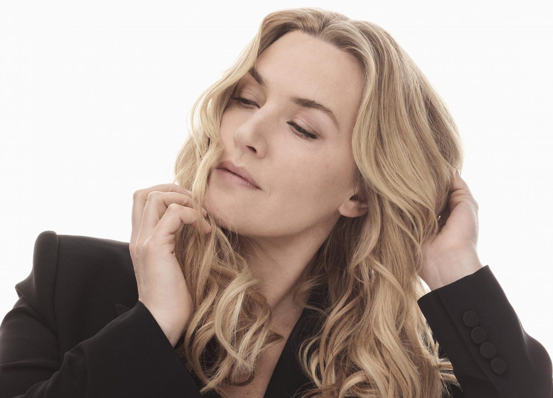 Η Kate Winslet σε ρόλο-έκπληξη H Kate Winslet με την εκθαμβωτική της εμφάνιση και την έντονη κοινωνική της δράση μπορεί να αποτελέσει το απόλυτο πρότυπο ομορφιάς και να γίνει πηγή έμπνευσης για όλες μας. Κάπως έτσι η L'Oréal Paris την επέλεξε ως νέα ambassador της.