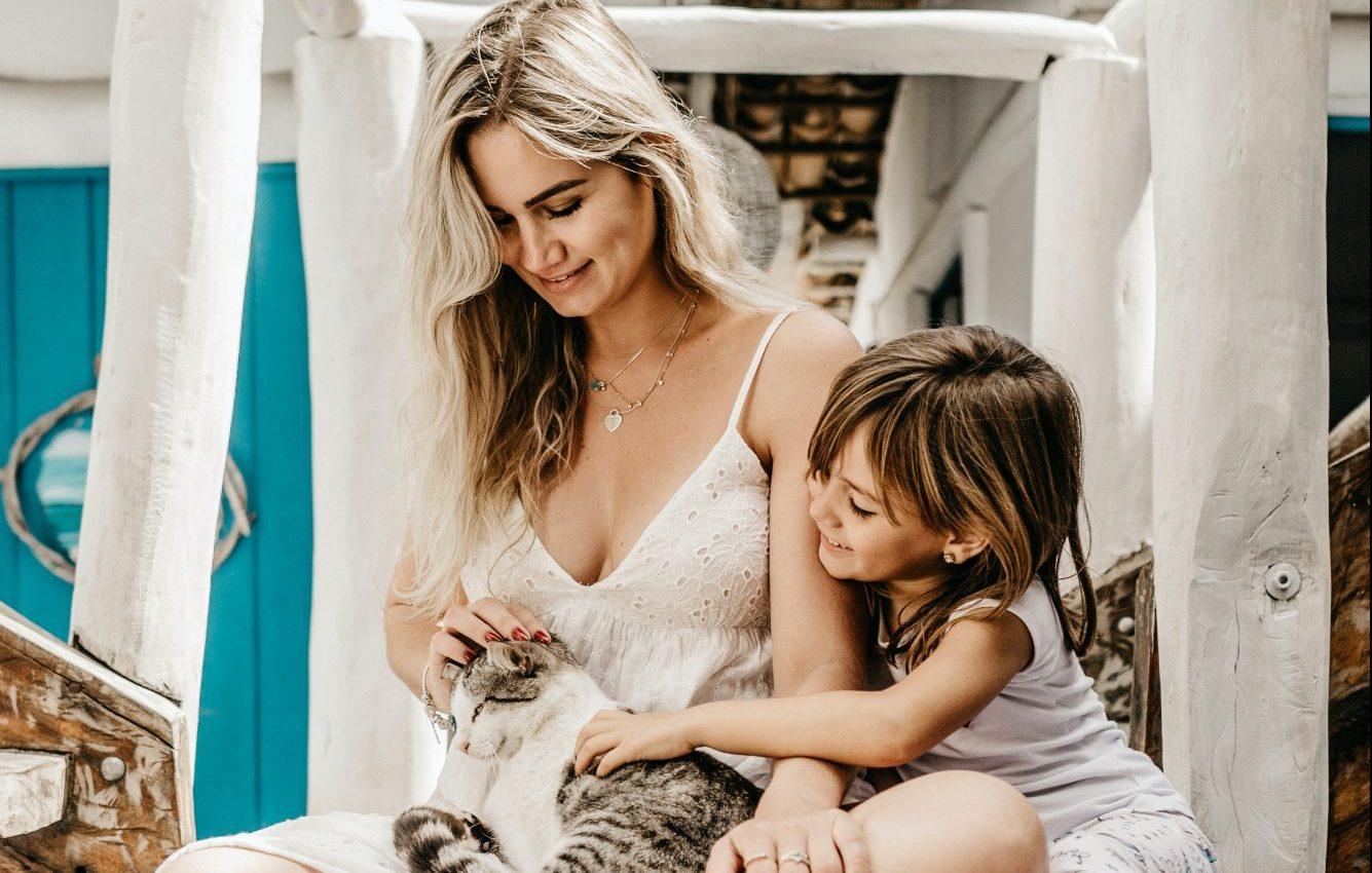 «Το παιδί μου με κάνει ό,τι θέλει»: 3 συμβουλές για τους γονείς που νιώθουν αβοήθητοι