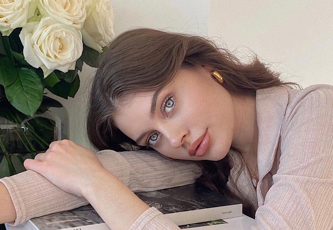 Πώς να εφαρμόσεις το ρουζ σου σαν make-up artist To ρουζ αποτελεί ένα από τα beauty items που πολλές από εμάς δύσκολα αποχωριζόμαστε στην ρουτίνα ομορφιάς μας.