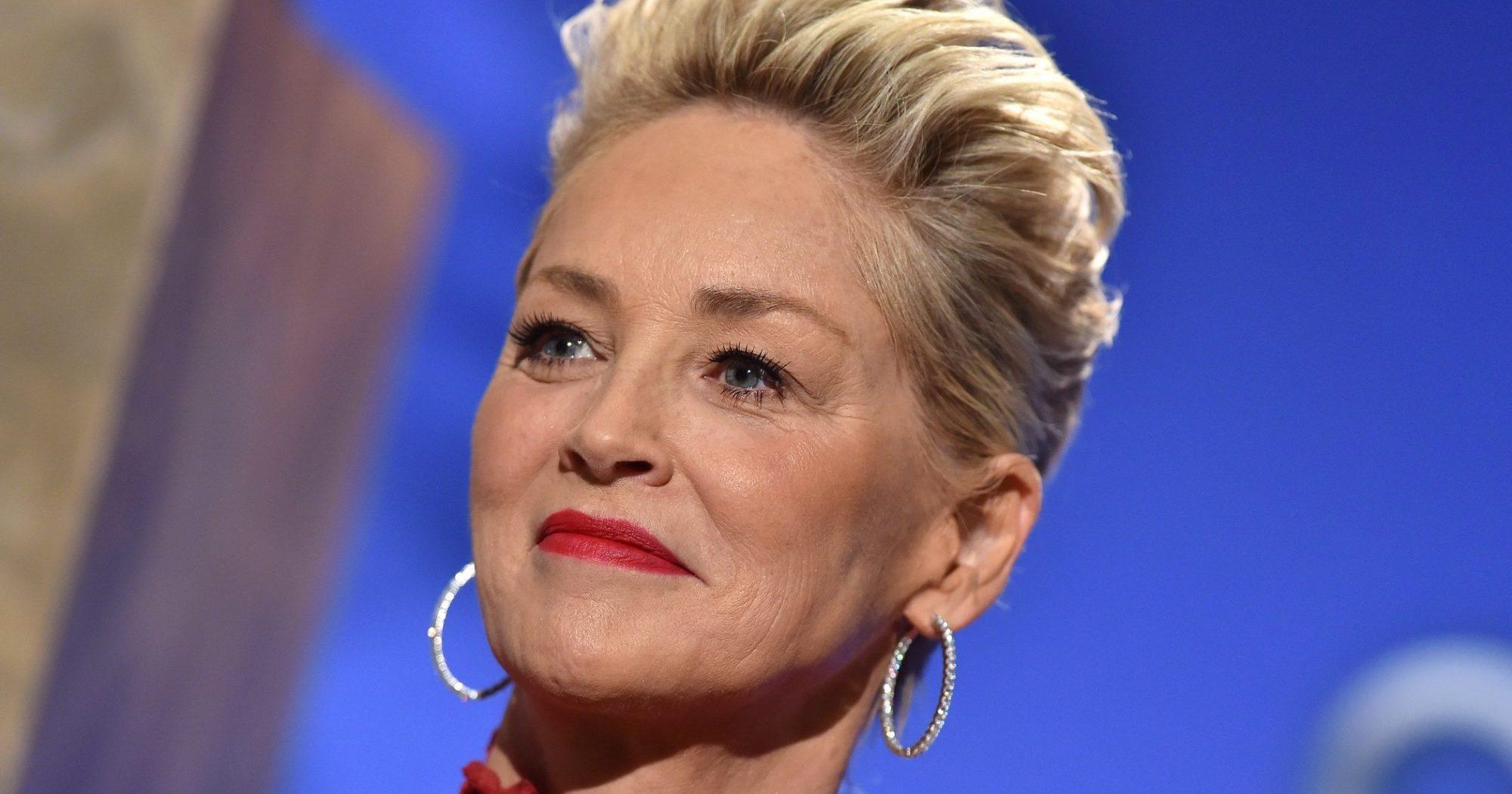 Η Sharon Stone ποζάρει με μπικίνι στα 63 της χρόνια και εντυπωσιάζει με τις αναλογίες της Η Sharon Stone σε κάθε της ανάρτηση μας επιβεβαιώνει ότι όσα χρόνια και αν περάσουν θα διαθέτει πάντα μια άκρως εντυπωσιακή εμφάνιση.