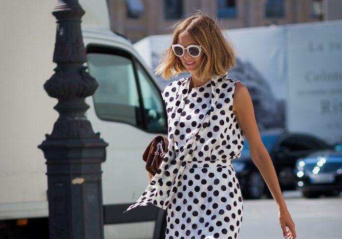 Όσα χρόνια και αν περάσουν, αυτό το φόρεμα θα είναι in-fashion. Μάλλον κάτι κάνει πολύ σωστά! Τι είπες; Βαρέθηκες το πουά; Ακούσαμε καλά;