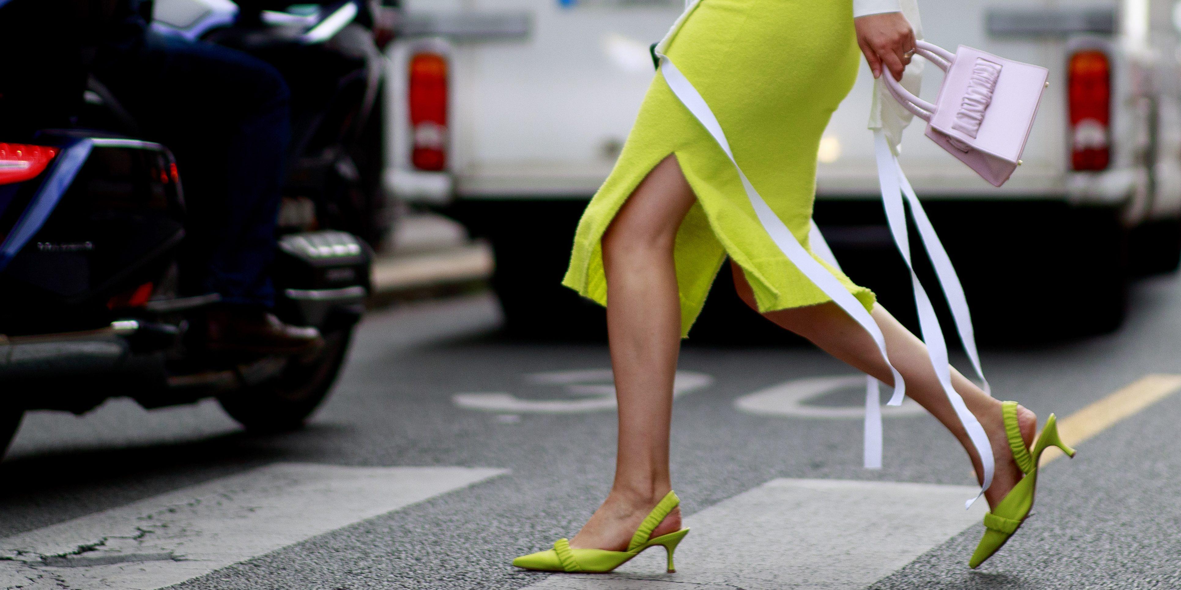 12 ιδέες για να φορέσεις τα low heels κάθε στιγμή της ημέρας (ό,τι πιο άνετο!!) Άφησε για λίγο στην άκρη τα ψηλοτάκουνα πέδιλά σου και επένδυσε σε μοντέλα που θα σου χαρίσουν άνεση και κομψότητα από το πρωί μέχρι το βράδυ.