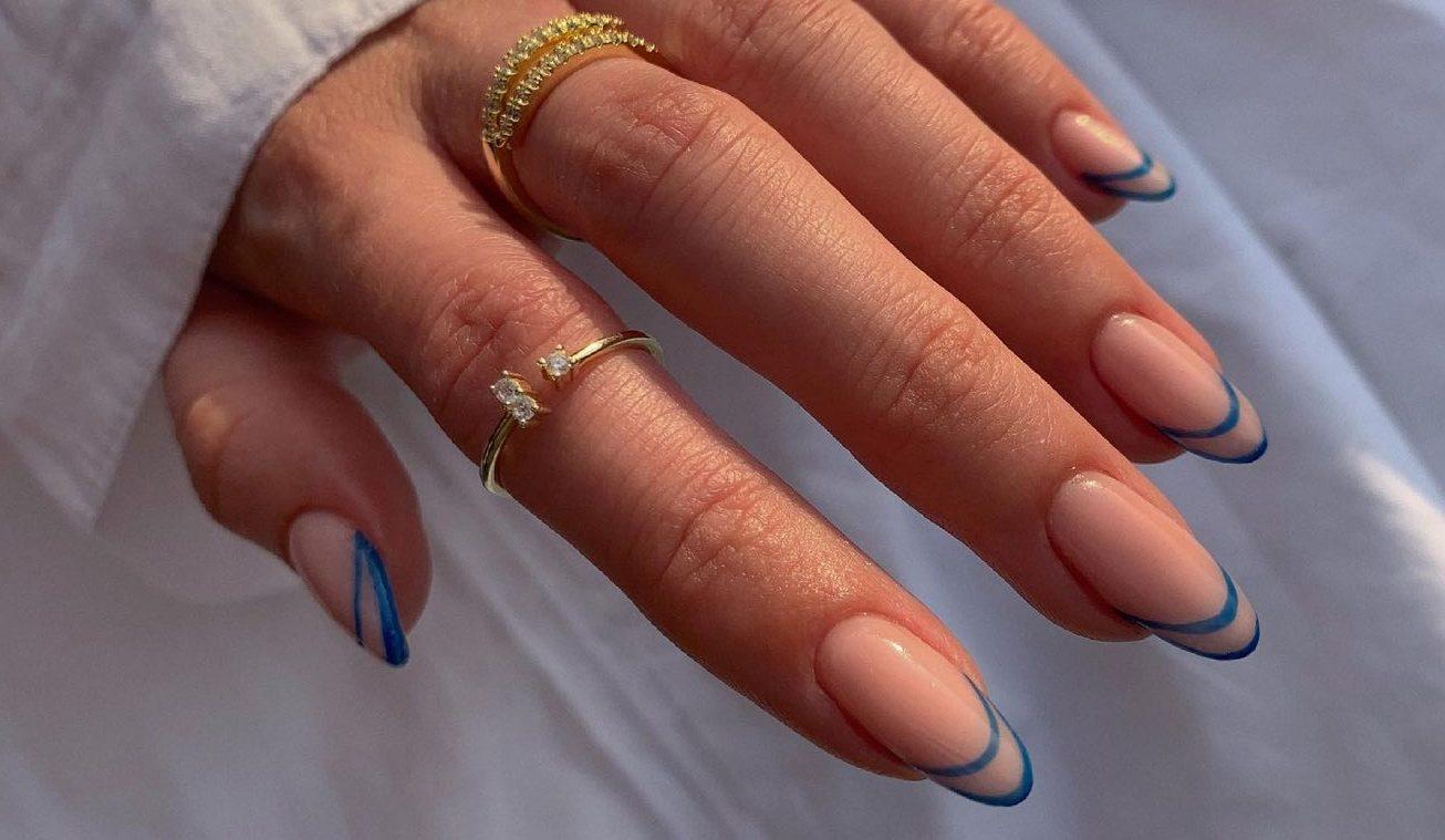 Έχεις αμυγδαλωτά νύχια; Αυτές οι τάσεις ταιριάζουν σε εσένα λιγάκι παραπάνω Τα αμυγδαλωτά νύχια χαρίζουν μάκρος και κάνουν τα άκρα μας να φαίνονται πιο λεπτά. Μάλιστα αν επιλέξουμε και τα ιδανικά nail trends γι' αυτό το σχήμα, τότε εύκολα το μανικιούρ μας μπορεί να γίνει το πιο stylish στοιχείο στην εικόνα μας.