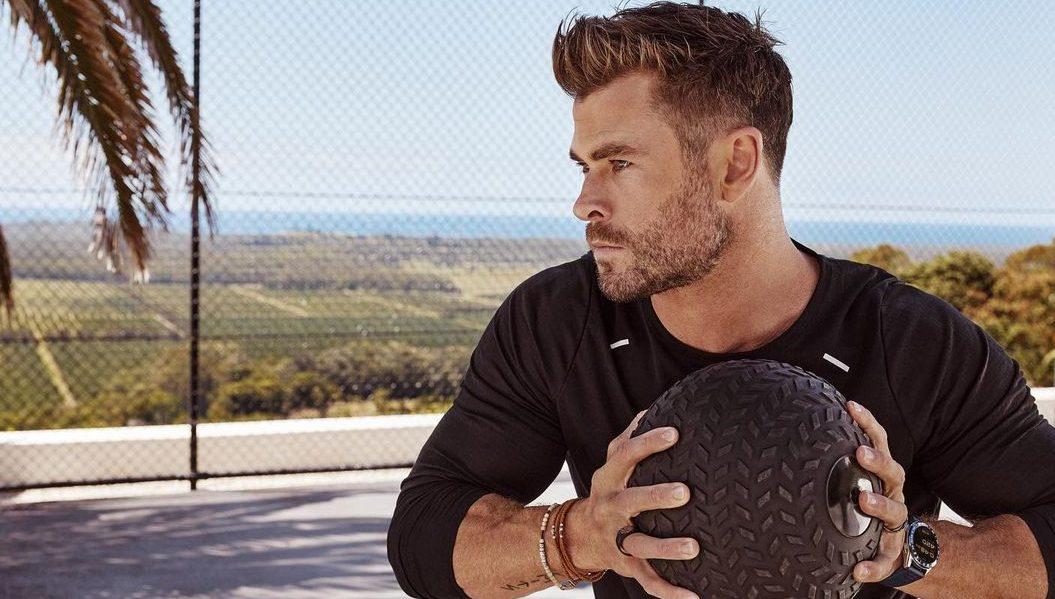 Ο Chris Hemsworth είναι ο τέλειος μπαμπάς και η τελευταία του ανάρτηση στο Instagram είναι η απόδειξη που χρειάζεσαι Σε ένα νέο βίντεο στο Instagram, ο Chris Hemsworth απέδειξε ότι οι προπονήσεις μπορούν να είναι μια οικογενειακή υπόθεση ακόμη και εκτός γυμναστηρίου.