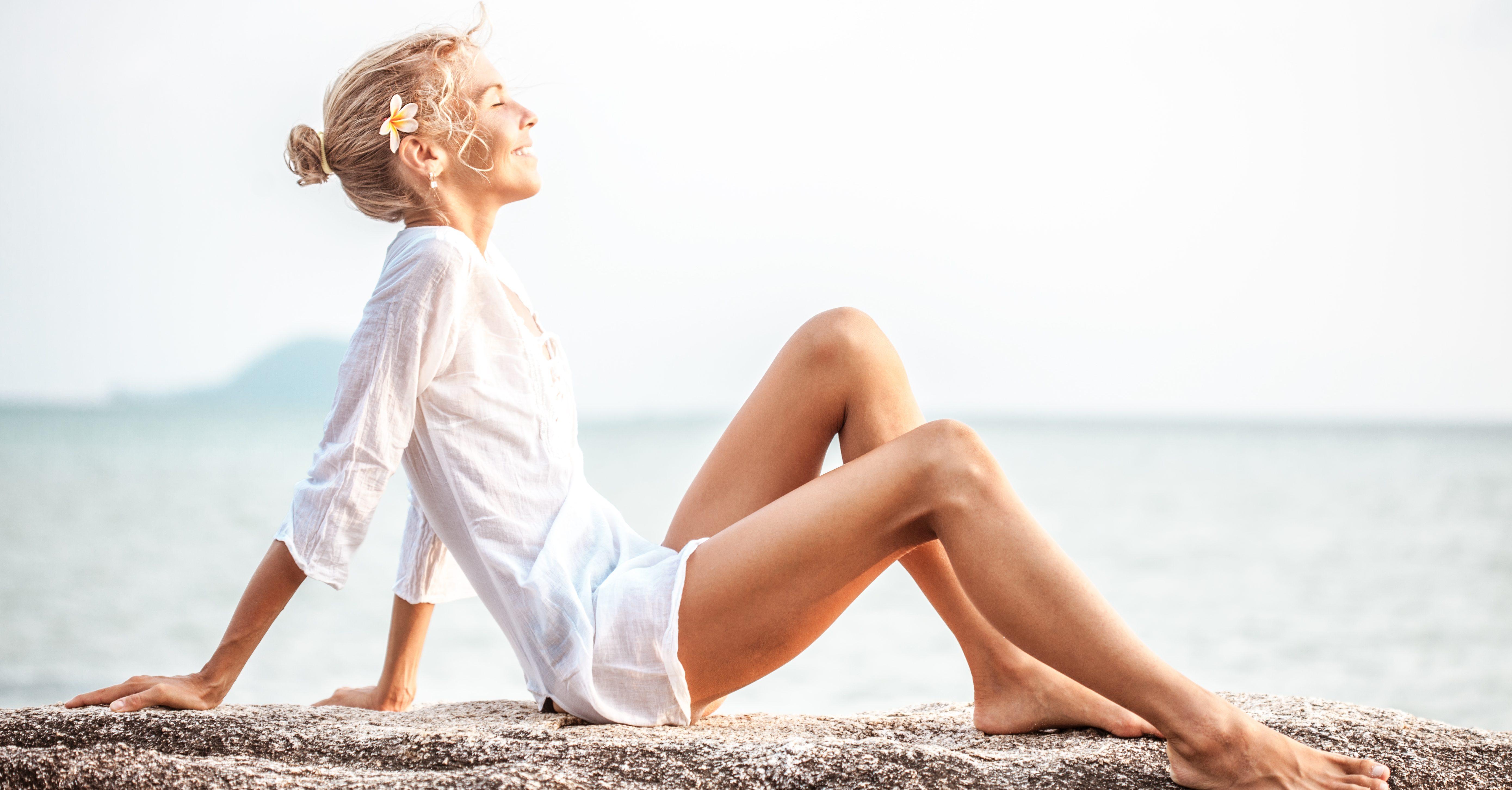 Όλα όσα πρέπει να προσέχει κάθε γυναίκα όταν πάει στη θάλασσα είναι εδώ Το καλοκαίρι το έχουμε συνδέσει με την ανεμελιά και τις ατελείωτες ώρες στην παραλία. Η Μαιευτήρας-Γυναικολόγος Αντωνία Λαζαράκη μας δίνει πολύτιμες συμβουλές που πρέπει να ακολουθήσουμε αν θέλουμε να είμαστε πάντα προστατευμένες και να απολαμβάνουμε την θάλασσα στο έπακρο.
