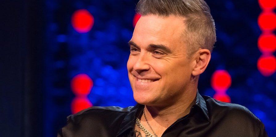 Ο Robbie Williams είναι στη Μύκονο με τη σύζυγό του #φωτογραφίες Μάλιστα με την εντυπωσιακή σιλουέτα της στα 42 της χρόνια, η σύζυγος του Robbie Williams κατάφερε να μαγνητίσει όλα τα βλέμματα.