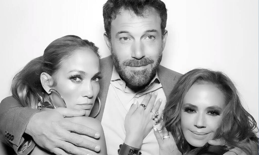 Jennifer Lopez & Ben Affleck: Αυτή είναι η πρώτη τους κοινή φωτογραφία στο Instagram μετά την επανασύνδεσή τους Οι φήμες μπορούν να διαψεύδονται, οι φωτογραφίες όμως ποτέ! Το ντεμπούτο τους ως χευγάρι έκαναν οι Jennifer Lopez και ο Ben Affleck στο Instagram με μια φωτογραφία απο τα γενέθλια της κοινής τους φίλης Leah Remini.
