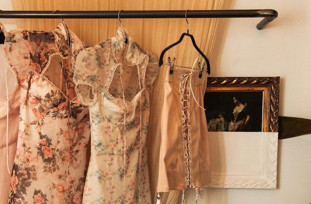 6 romantic mini φορέματα γιατί το καλοκαίρι θέλει αισθησιασμό