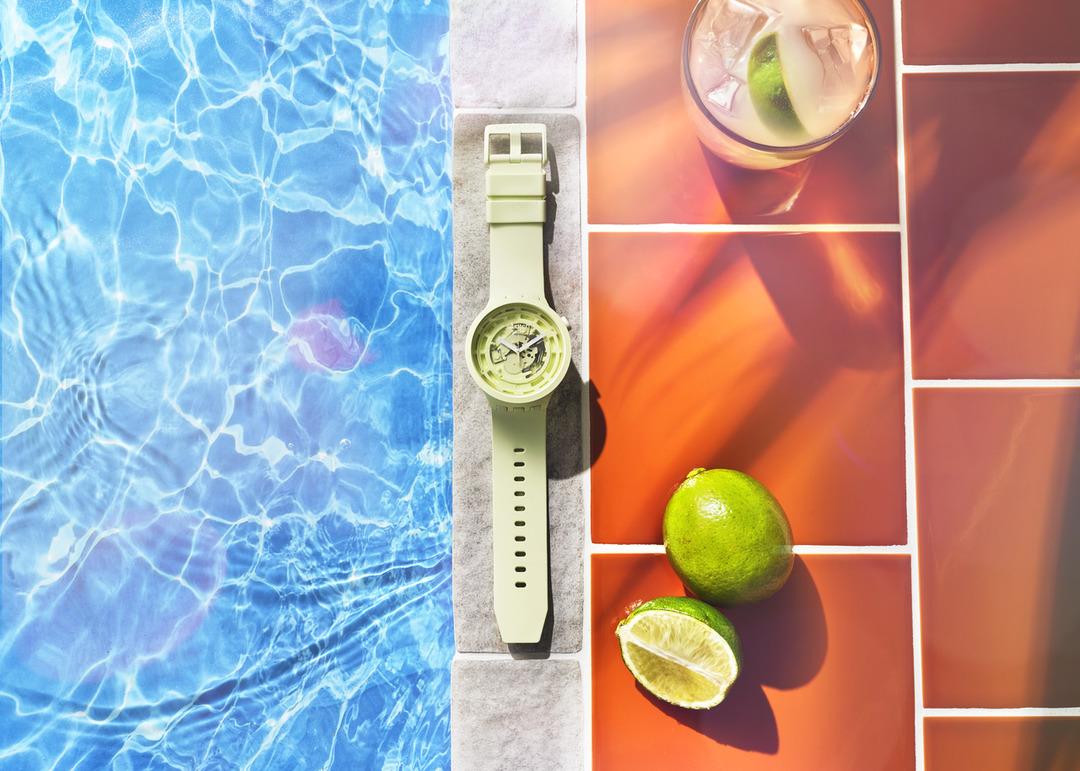 Νέο μοντέλο BIG BOLD BIOCERAMIC απο τη Swatch | C-LIME H Swatch γιορτάζει το καλοκαίρι με ένα συναρπαστικό και άκρως δροσερό νέο μοντέλο!