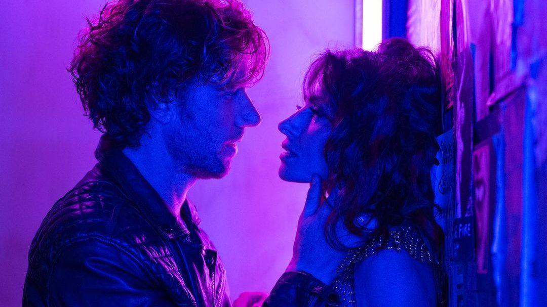 Sex/Life: Η αληθινή ιστορία πίσω από την μεγάλη επιτυχία του Netflix Πίσω από κάθε σενάριο κρύβεται και μια ιστορία. Κάπως έτσι εμείς μάθαμε από πού είναι εμπνευσμένη η ιστορία της σειράς του Netflix, Sex/Life.