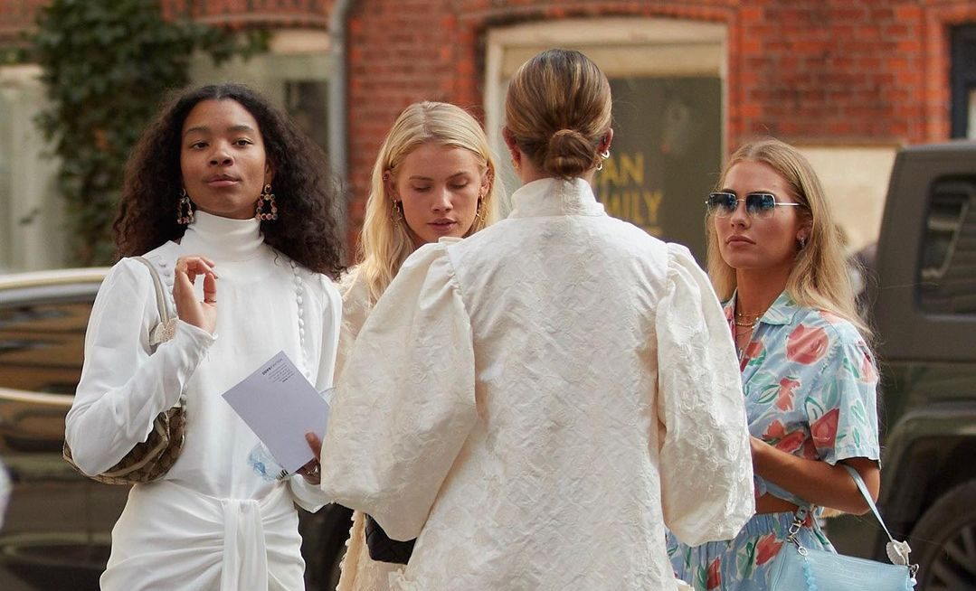 Little White Dress: Αυτά τα λευκά φορέματα από Zara κοστίζουν λιγότερο από €15
