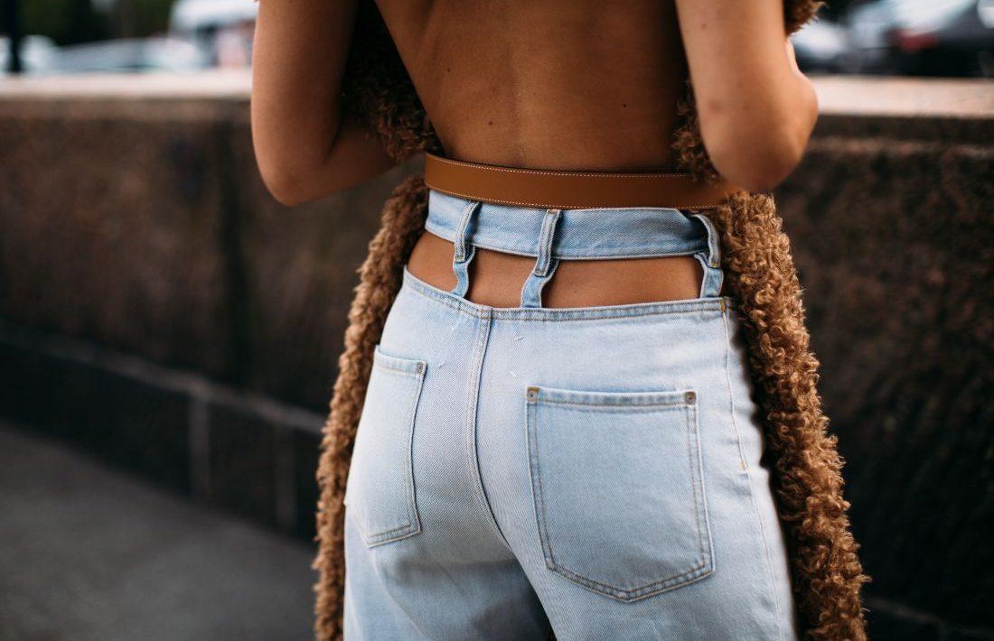 Denim Season: 8 τζην παντελόνια που δεν θα βγάλουμε από πάνω μας τους επόμενους μήνες