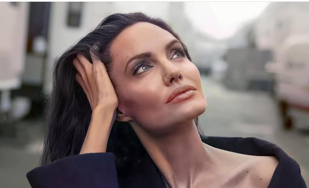 Η Angelina Jolie κοινοποίησε στο Instagram επιστολή νεαρής Αφγανής Η βραβευμένη με Όσκαρ ηθοποιός και ακτιβίστρια για τα ανθρώπινα δικαιώματα, Angelina Jolie κοινοποίησε στην πρώτη της ανάρτηση στο Instagram επιστολή έφηβης στο Αφγανιστάν.