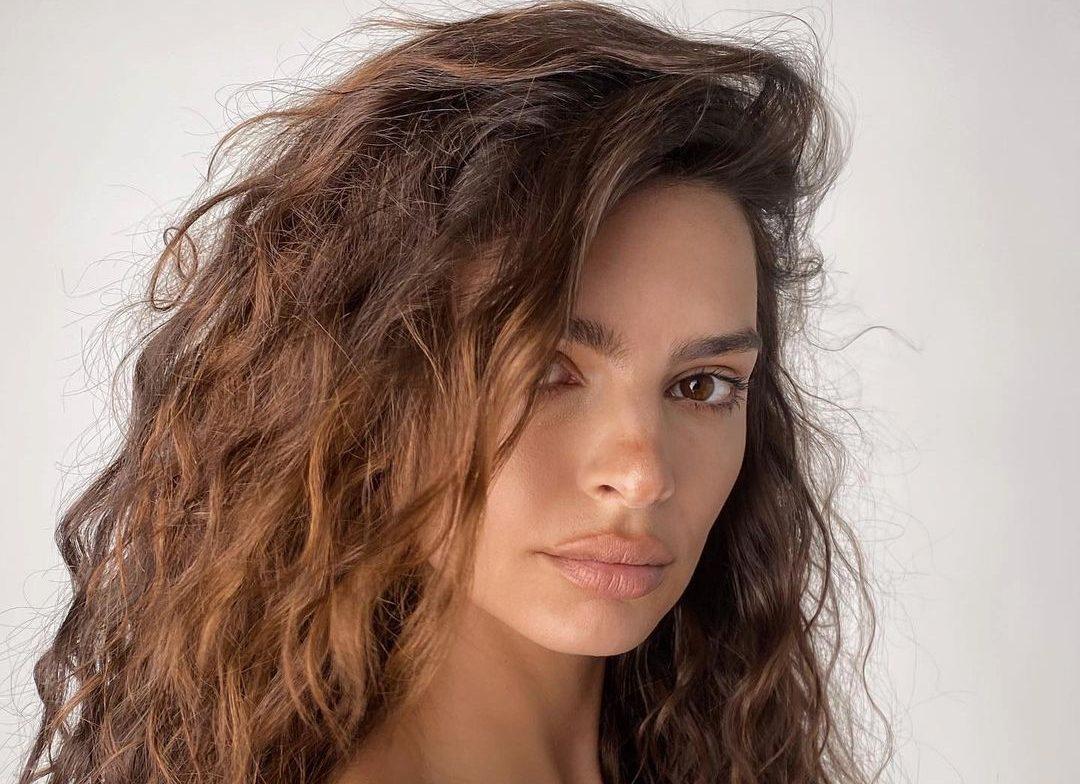 Sunset Hair: H νέα απόχρωση που μας «κλείνει» το μάτι