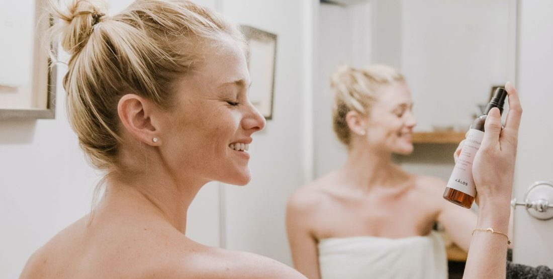 10 top ενυδατικές μάσκες που θα αναζωογονήσουν την επιδερμίδα σου μετά τις διακοπές Αν νιώθεις πως το δέρμα σου έχει ταλαιπωρηθεί πολύ από τον ήλιο και το θερμό καλοκαίρι που σταδιακά φτάνει στο τέλος του, δοκίμασε αυτές τις 10 ενυδατικές μάσκες που σίγουρα θα σε αναβαθμίσουν το skincare routine σου.