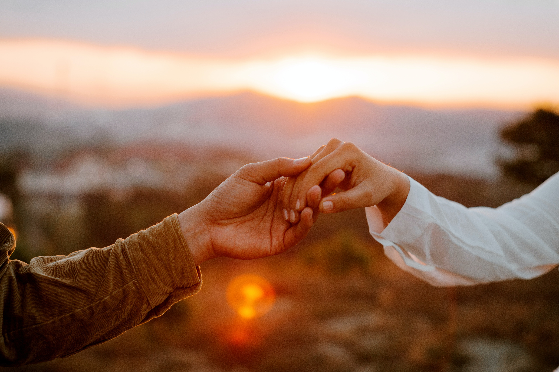 Η απιστία τελικά συγχωρείται; 6 τρόποι να αντιμετωπίσεις τα θέματα εμπιστοσύνης που προκύπτουν Η απιστία είναι ένα θέμα που απασχολεί πολλά ζευγάρια σήμερα. Ειδικά μετά τις καλοκαιρινές διακοπές λίγοι είναι αυτοί που δεν έχουν ίχνος αμφιβολίας για το σύντροφό τους. Ακόμη κι αν σας έχουν απατήσει. ο τρόπος διαχείρισης του τραύματος αυτού πρέπει είναι πολύ σημαντικός για τη γενικότερη διατήρηση και βελτίωση της ψυχικής μας υγείας, υποστηρίζουν οι ειδικοί.