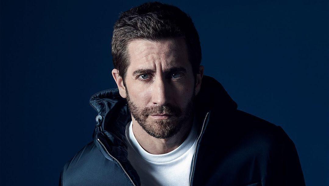 Ο Jake Gyllenhaal είναι το πρόσωπο του νέου ανδρικού αρώματος «Luna Rossa Ocean» του οίκου Prada Το νέο ανδρικό άρωμα «Luna Rossa Ocean» με την υπογραφή του οίκου Prada μόλις κυκλοφόρησε και ο ηθοποιός Jake Gyllenhaal είναι ο ambassador του. Η καμπάνια που πρωταγωνιστεί ο Χολιγουντιανός σταρ είναι απλά καθηλωτική.