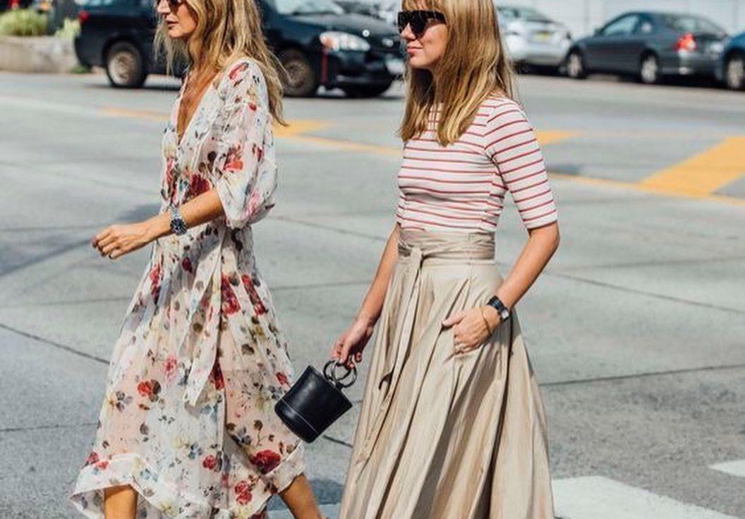 Αυτά είναι τα ιδανικά φορέματα για αυτή την εποχή: 10 κομμάτια που δεν μπορείς να αντισταθείς Το καλοκαίρι πλησιάζει στο τέλος του σιγά σιγά και εφόσον ανανεωθήκαμε ψυχικά τώρα νιώθουμε την ανάγκη να ανανεωθούμε και εξωτερικά. Ψάξαμε λοιπόν και βρήκαμε 10 φορέματα που θα θέλαμε να έχουμε στην γκαρνταρόμπα μας τη νέα σεζόν και θα τα δεις όλα παρακάτω. Ποιο από αυτά τα σχέδια θα ήθελες να προσθέσεις στην γκαρνταρόμπα σου;