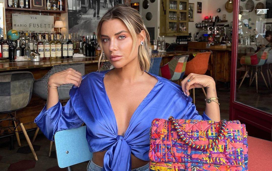 5 τρόποι να φορέσεις το σατέν ύφασμα μέσα στον Σεπτέμβρη Η Veronica Ferraro μας δίνει μαθήματα στυλ και μόδας με 5 φανταστικούς τρόπους για να εντ'αξουμε το σατέν στα καθημερινά και τα βραδινά μας looks.