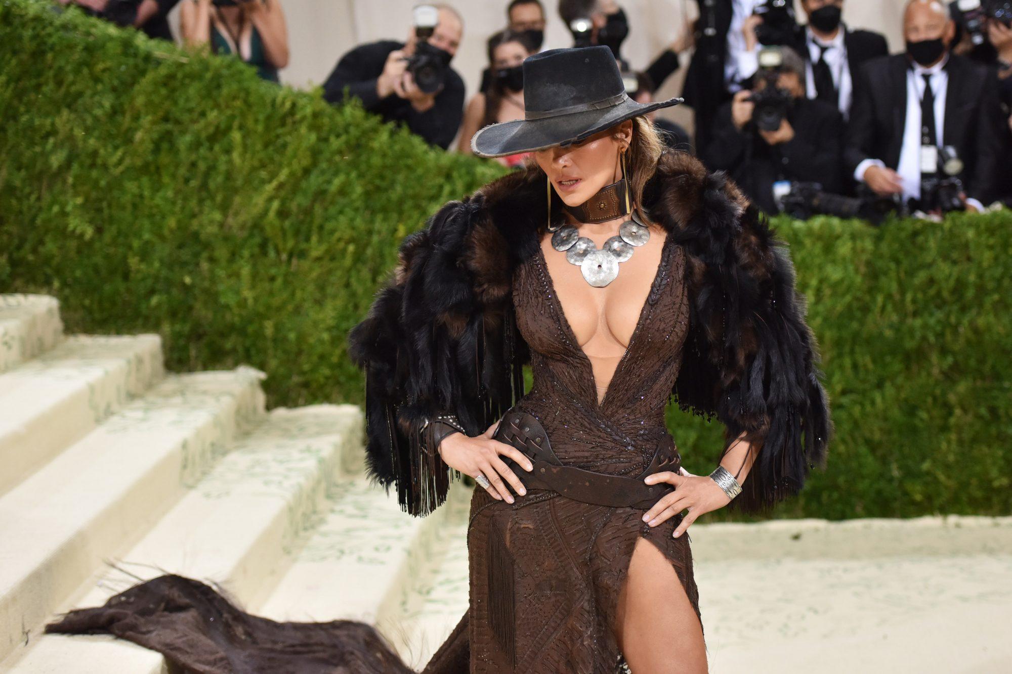 Jennifer Lopez: Βρήκαμε το καθημερινό workout της και (ναι!) είναι όσο δύσκολο φαντάζεσαι