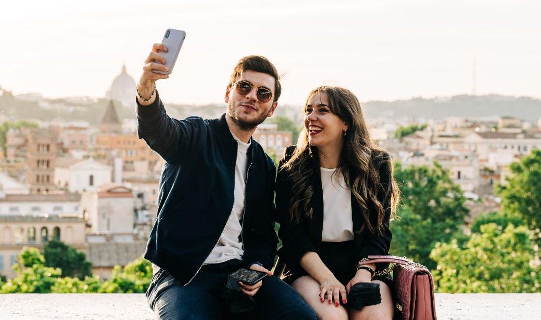 Γιατί είναι καλύτερο να μην προβάλλεις τη σχέση σου στα social media; Γιατί τα πραγματικά ευτυχισμένα ζευγάρια αποφεύγουν τις αναρτήσεις, ενώ τα ζευγάρια που ανεβάζουν φωτογραφίες της σχέσης τους στα κοινωνικά δίκτυα είναι πιο πιθανό να χωρίσουν.