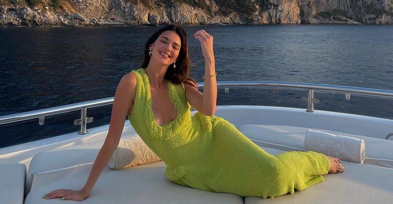 Kendall Jenner: Η ρομαντική βόλτα με τον σύντροφό της στην Ιταλία H Kendall Jenner είναι πολύ ερωτευμένη και δεν το κρύβει.