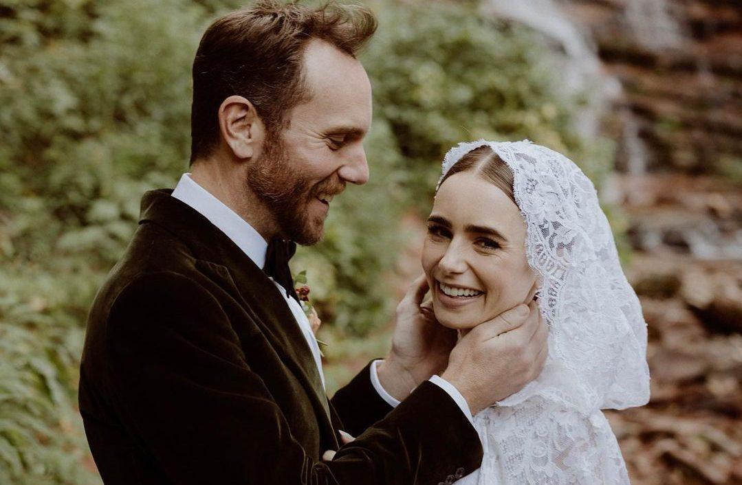 Η Lily Collins παντρεύτηκε και το παραμυθένιο νυφικό της είναι ό,τι καλύτερο έχουμε δει τελευταία Η πρωταγωνίστρια της σειράς «Emily In Paris», Lily Collins,  έκανε έναν παραμυθένιο γάμο στη φύση.