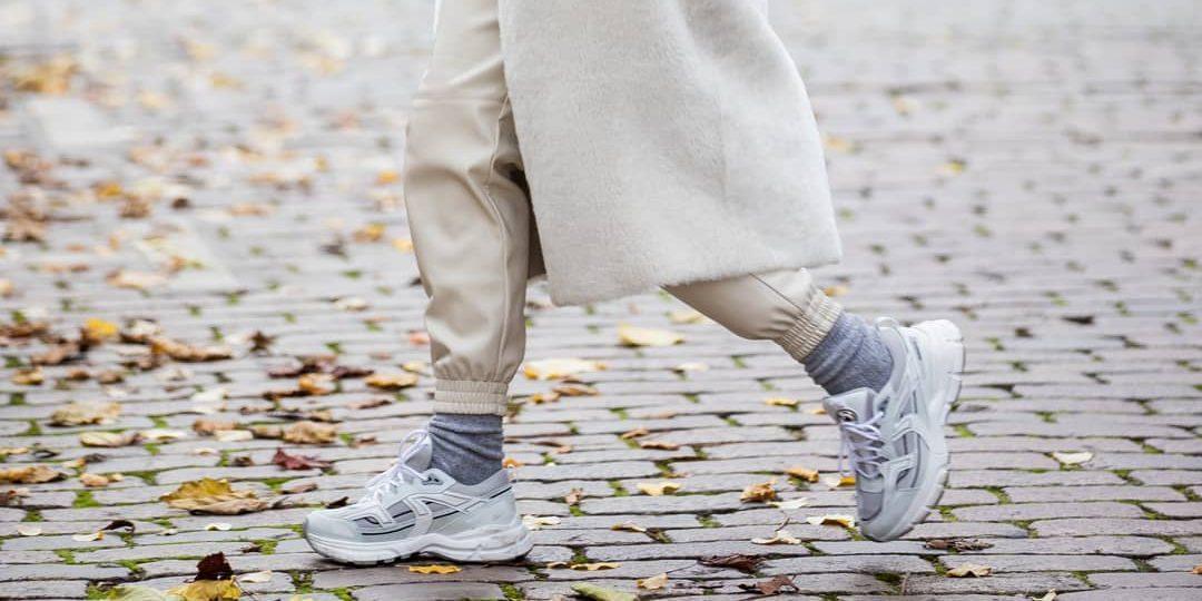 10 sneakers που θα φοράς από το πρωί (και γιατί όχι;) μέχρι το βράδυ