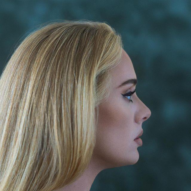 Adele: Η σαρωτική επιστροφή της με το «Easy On Me» μετά από 6 χρόνια απουσίας