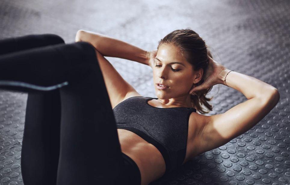 Κοιλιά: Οι ασκήσεις που γυμνάζουν το πιο δύσκολο σημείο του σώματος Η επίπεδη κοιλιά θέλει λίγο κόπο, αλλά κυρίως... τρόπο! Δηλαδή, τις σωστές ασκήσεις.