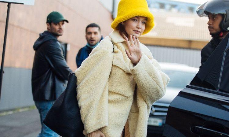 Gigi Hadid: Το αγαπημένο της πανωφόρι είναι η επόμενη αγορά μας Η Gigi Hadid κατάφερε για ακόμα μια φορά να μονοπωλήσει το ενδιαφέρον μας με το casual but chic στυλ της.