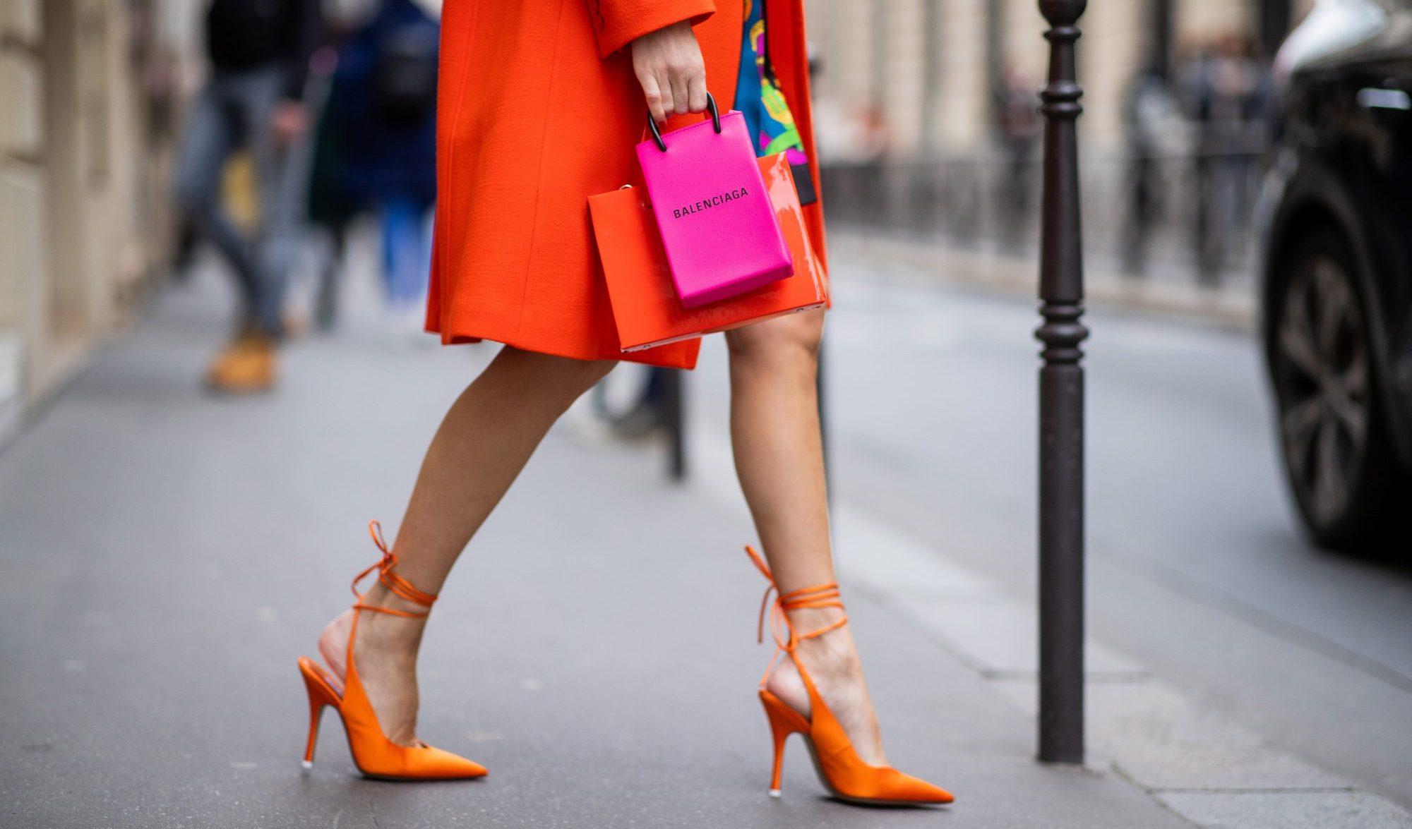 Τα high heels επιστρέφουν όπως και η νυχτερινή μας διασκέδαση.10 super ψηλοτάκουνα για να χορεύεις όλη νύχτα Όπως έχει πει και ο Manolo Blahnik, «You put high heels on and you change».