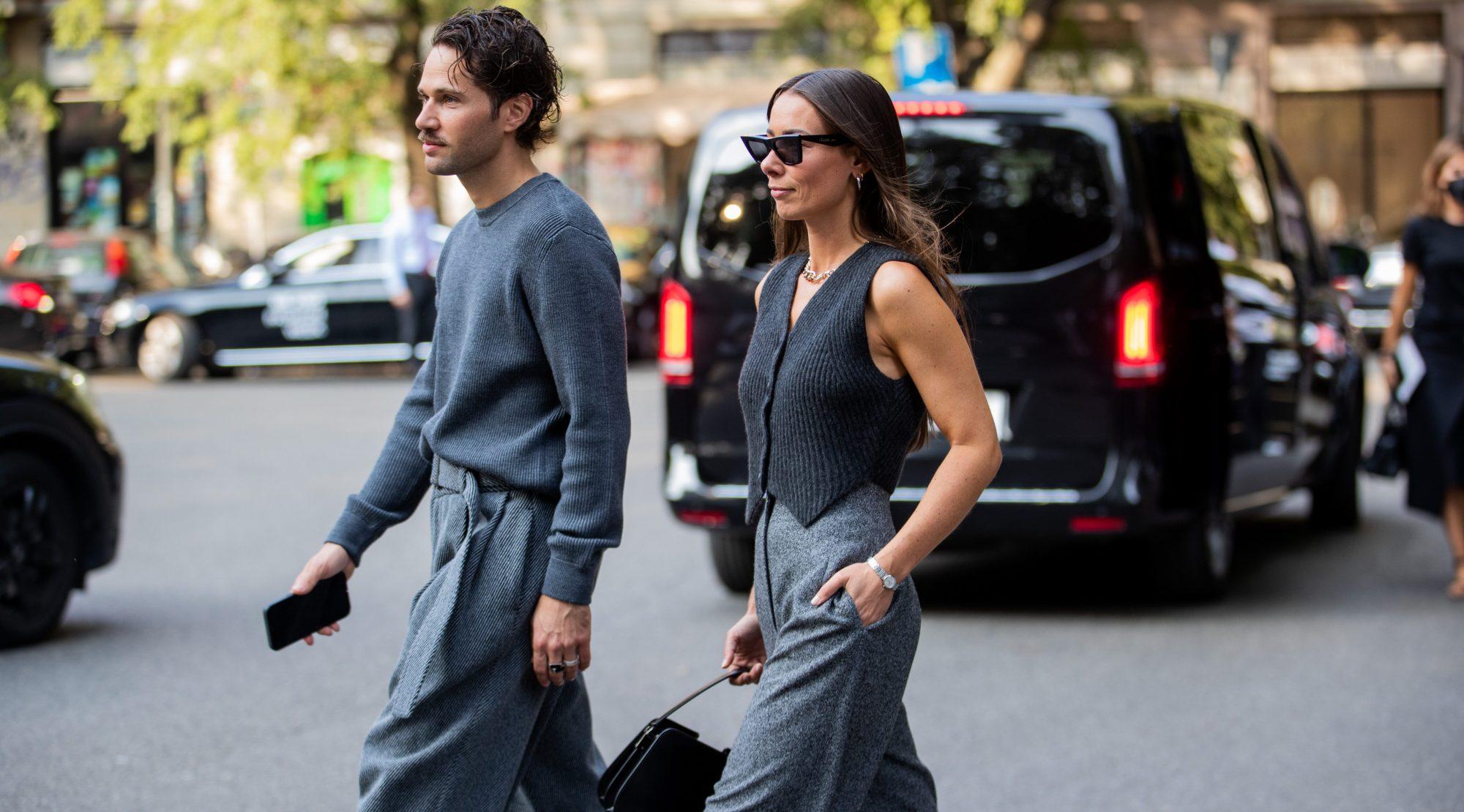 Η μέρα μας εμπνέει να φορέσουμε γκρι: 12 κομμάτια και 8 street style ιδέες για να «αγκαλιάσουμε» αυτό το χρώμα