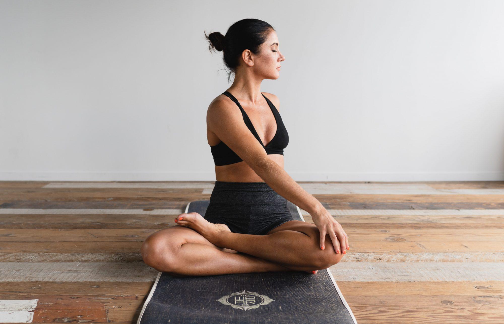 Yoga: Γυμνάζει ή απλώς ηρεμεί;