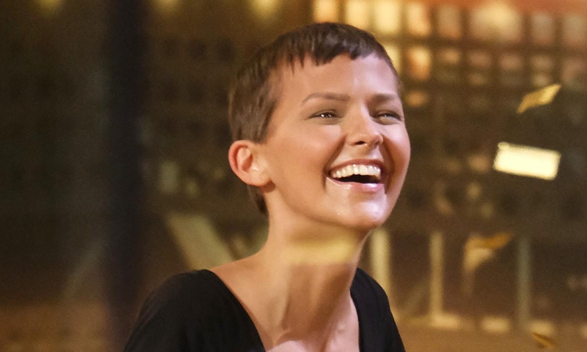 Nigthbirde: «Έχω 2% πιθανότητες να ζήσω μετά τον καρκίνο, όμως δεν είναι 0%» Η ιστορία μιας αληθινής αγωνίστριας, της τραγουδίστριας Nigthbirde, που έχει διαγνωσθεί με καρκίνο του στήθους. Αυτό, όμως, δεν την σταμάτησε από το να αγωνισθεί στο America's Got Talent.