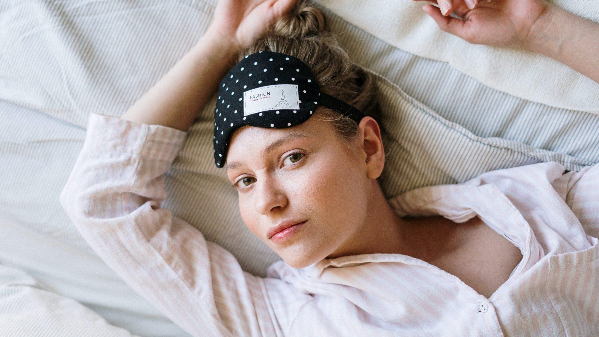 Τα beauty tips για να δείχνεις ξεκούραστη τη Δευτέρα ακόμα κι αν έχεις κοιμηθεί ελάχιστα το weekend Κι όμως αυτά τα beauty tips αναπληρώνουν ένα 8ωρο ύπνου!