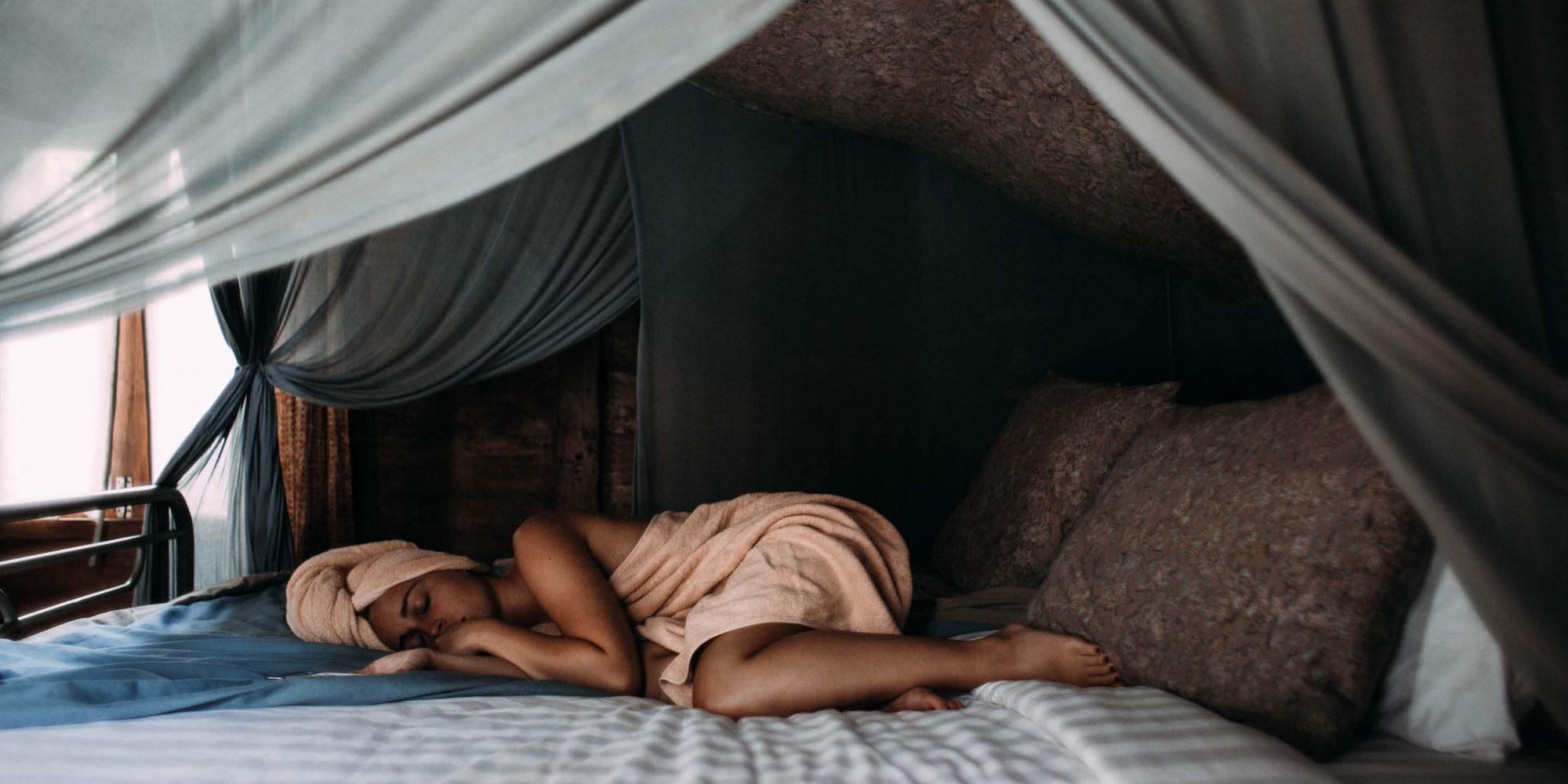 Δυσκολεύεσαι να κοιμηθείς; Τι να τρως και τι να μην(!) τρως πριν τον ύπνο Οι μικρές αλλαγές στη ρουτίνα του δείπνου σου μπορούν, σύμφωνα με τους ειδικούς, να κάνουν τεράστια διαφορά