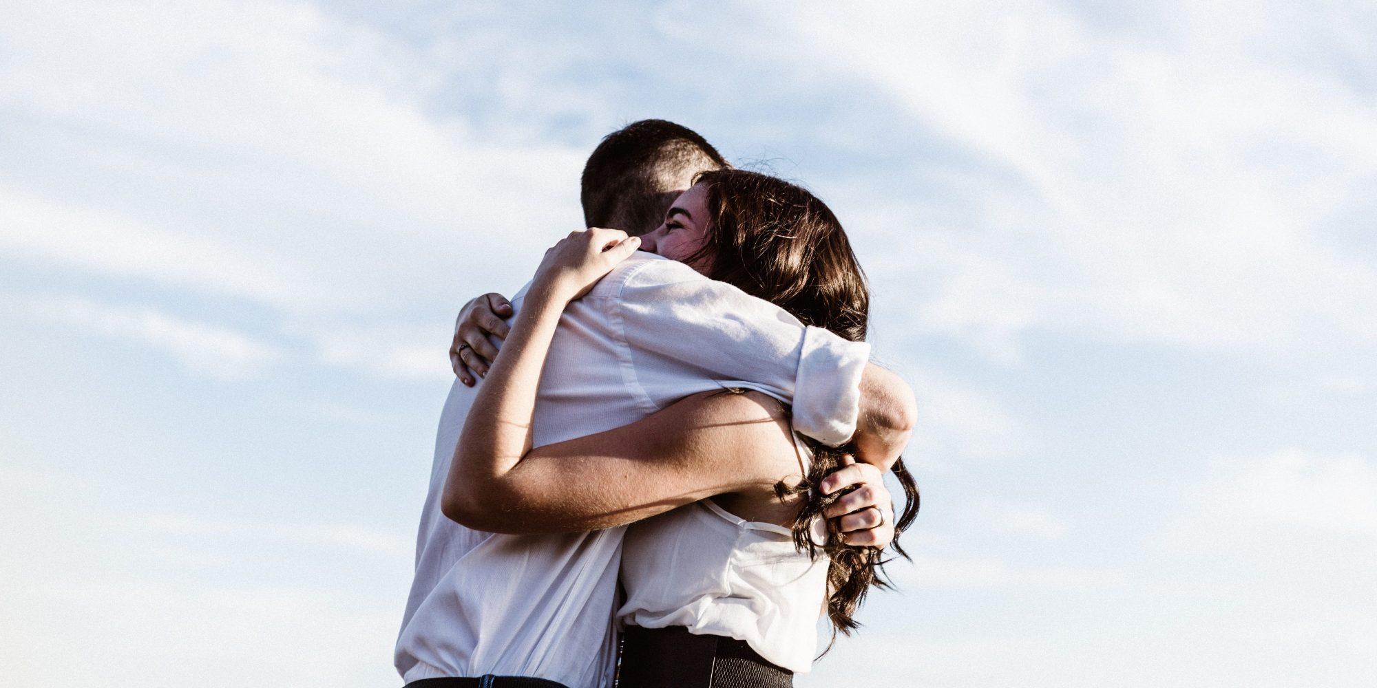 Μήπως σαμποτάρεις τις σχέσεις σου; Η ψυχολόγος απαντά H Ειρήνη Γεωργίου, MSc.,Ψυχοθεραπεύτρια Gestalt αποκαλύπτει τα σημάδια που μαρτυρούν ότι πιθανώς εμείς οι ίδιοι είμαστε σαμποτέρ των σχέσεων μας.